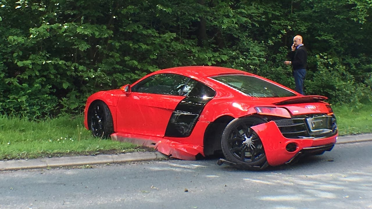 Another Weekend Supercar Crash